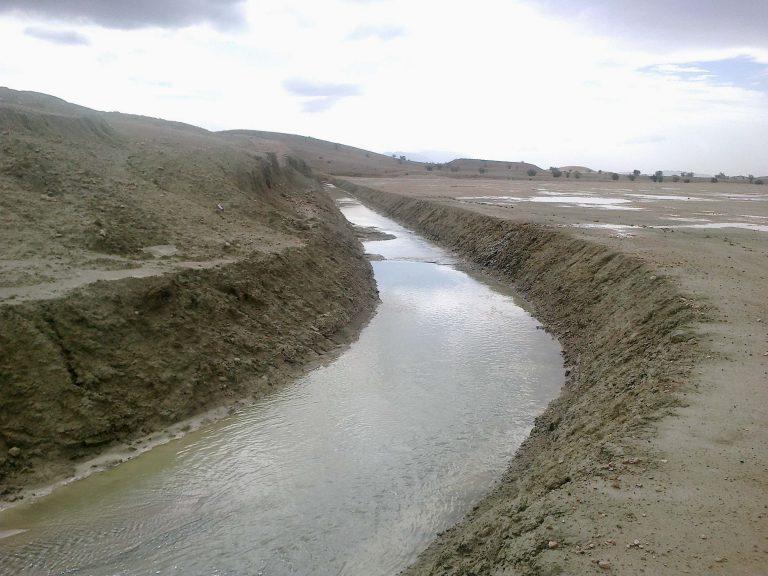 هدایت آبهای سطحی و دریاچه سایت